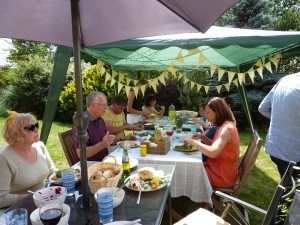 Nick - aka BB(Q) KIng served up a lovely feast with lashings of goodies left over from the party - good planning Tina!