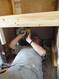 Just thought I'd get a shot of Chris safely on the floor rather than clambering up sheer walls!